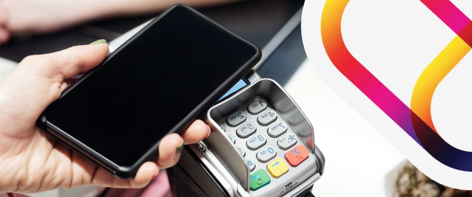 Contactless payment with a smart mobile phone